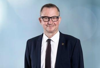 Dr. Philipp Dobler